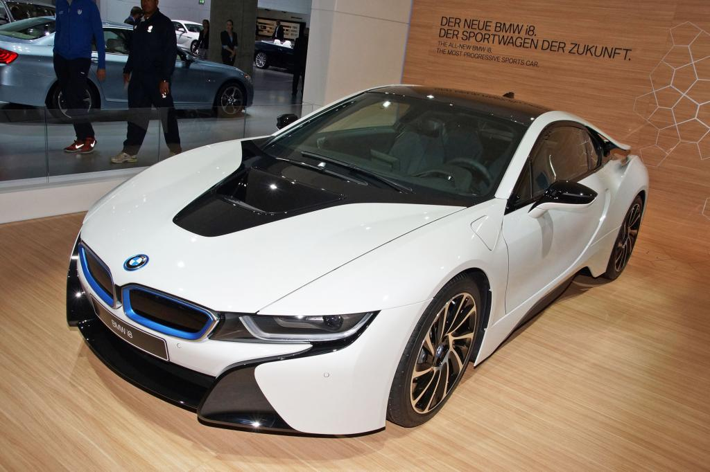 Der BMW i8 bietet nicht nur bei der Leistung spektakuläres