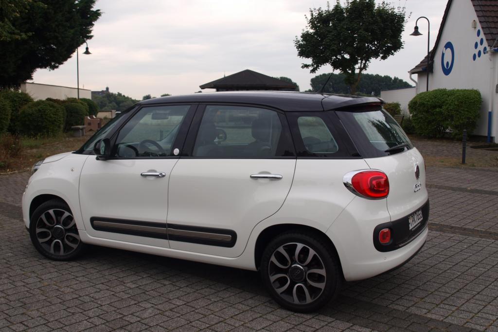 Der in allen Abmessungen, vor allem aber in Höhe und Länge, gegenüber seinem Designvorbild gewachsene Minivan ist eine imposante Erscheinung