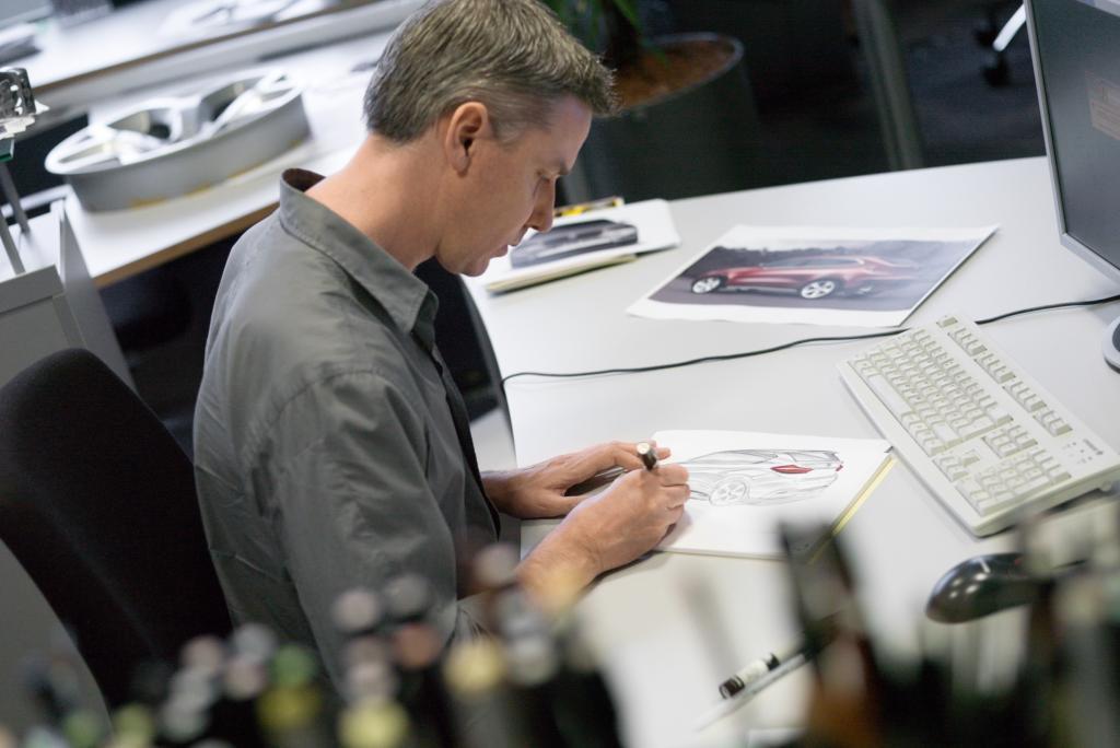 Die Entwürfe existieren in der Skizzenphase nur auf dem Papier, beziehungsweise im Computer.