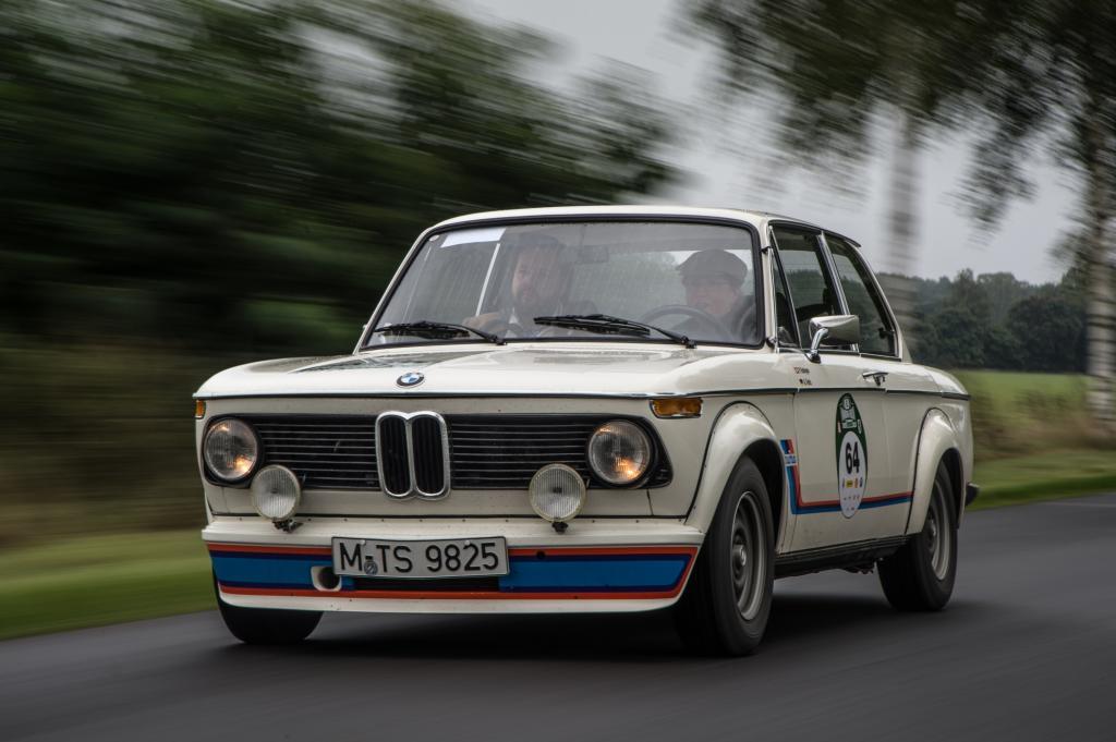 Ein Auto wie ein kleiner Paukenschlag - schließlich ist es damals im Jahr 1973 das erste Serienfahrzeug mit einem Abgasturbolader