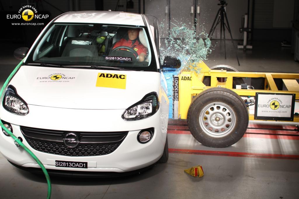 Fünf Autos haben den aktuellen Euro NCAP-Crashtest bestanden, darunter der Opel Adam