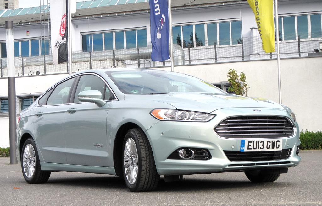 Fords Mondeo Hybrid wird in den USA schon als Fusion Hybrid angeboten.