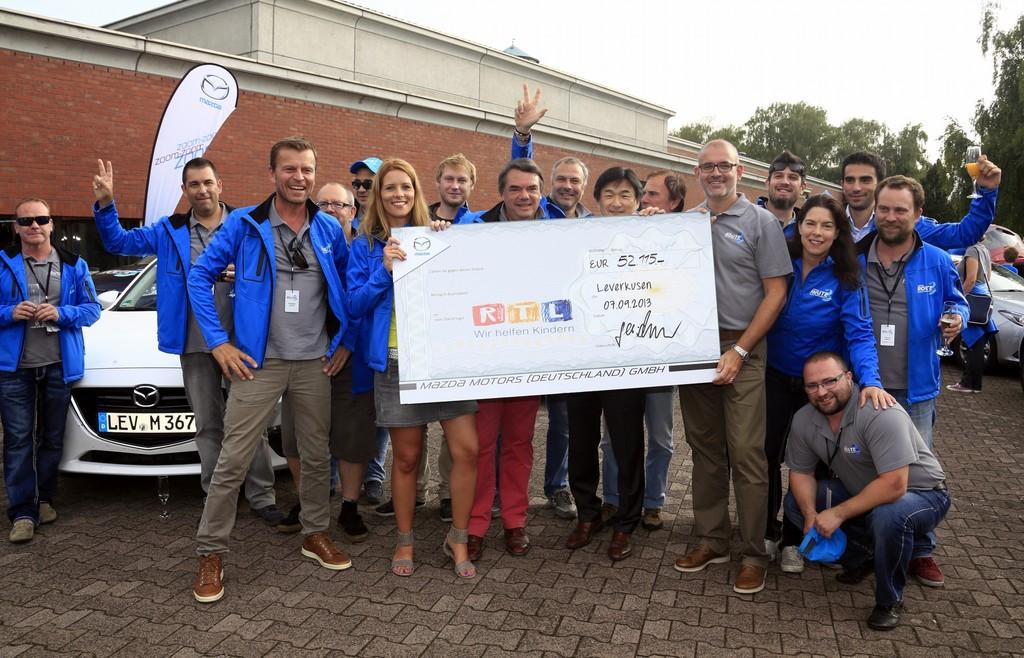 Marathon-Mazdas haben es geschafft: 15 000 Kilometer bis Frankfurt