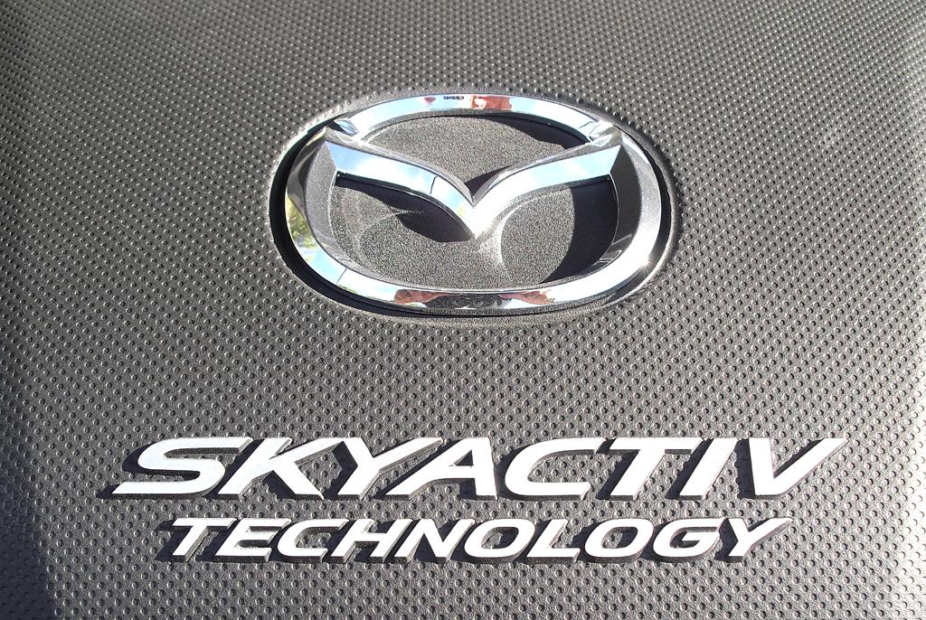 Mazda3: Blick unter die Haube, hier bei einem der drei Benziner.