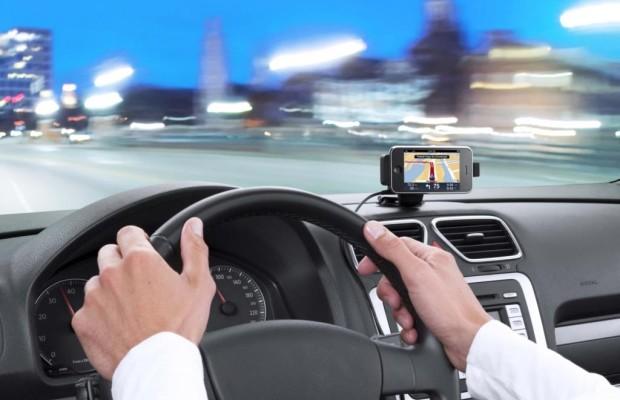 Navigations-Helfer im Test - Preis-Leistungs-Sieg für das Smartphone