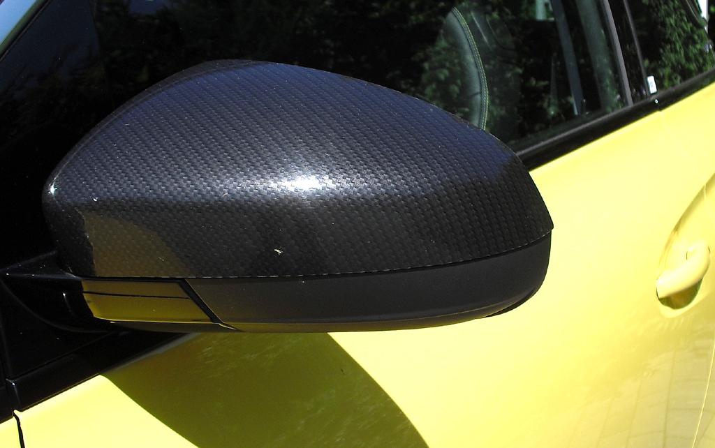 Opel Adam: Blick auf den Außenspiegel auf der Fahrerseite.