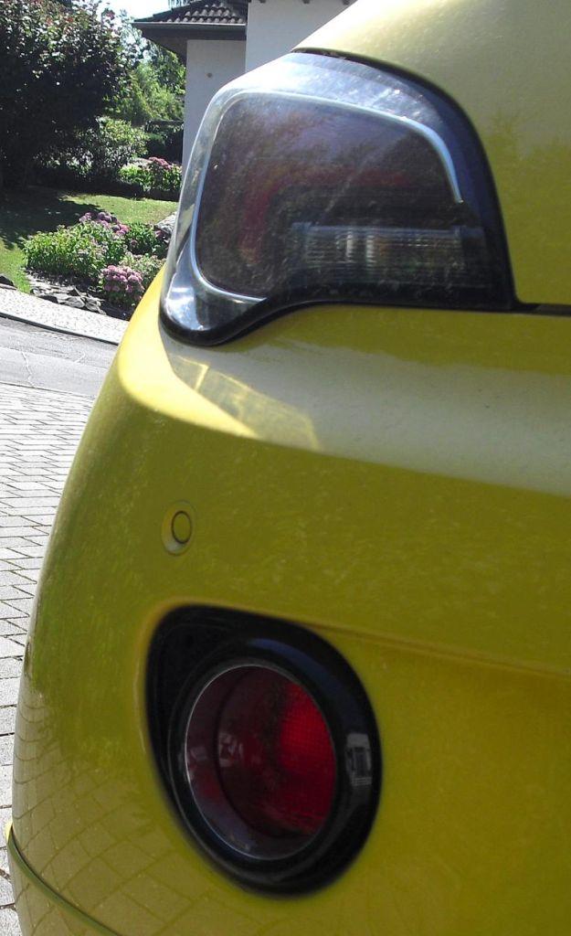 Opel Adam: Moderne Leuchteinheit hinten.
