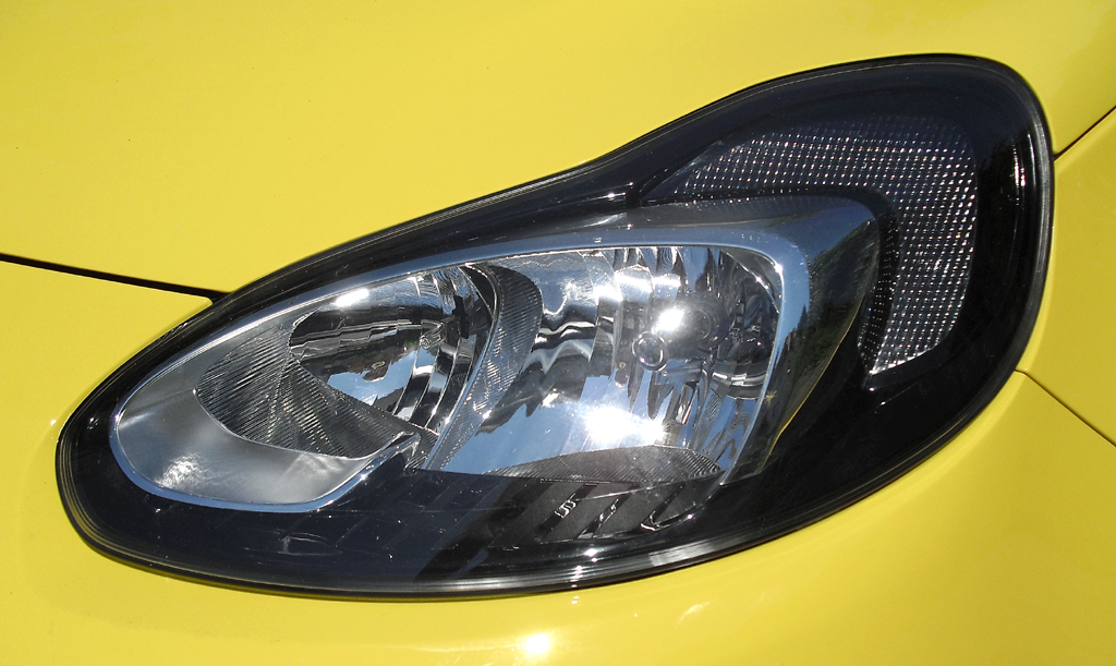 Opel Adam: Moderne Leuchteinheit mit LED-Tagfahrlicht vorn.