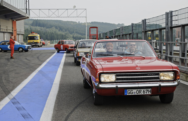 Opel-Youngtimer bei der Creme 21
