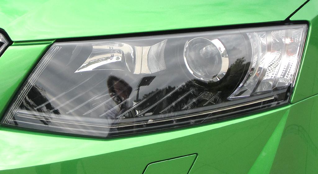 Skoda Octavia RS: Moderne Leuchteinheit vorn.