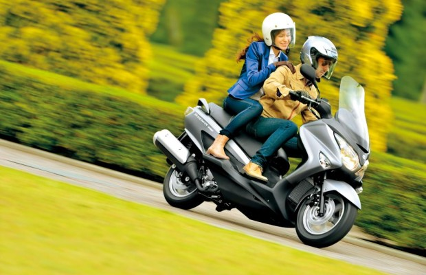 Suzuki Burgman: Facelift für Komfort-Roller