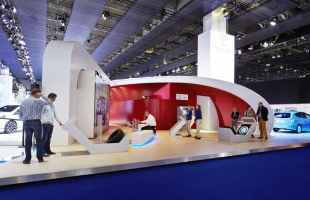 Toyota-Zubehör per Fingertipp in Lebensgröße montieren