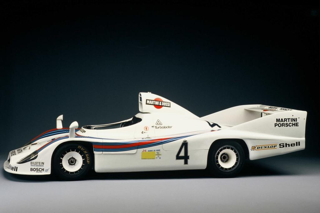 Porsche kehrt 2014 nach 16 Jahren Abwesenheit wieder mit einem Werksteam nach Le Mans zurück.