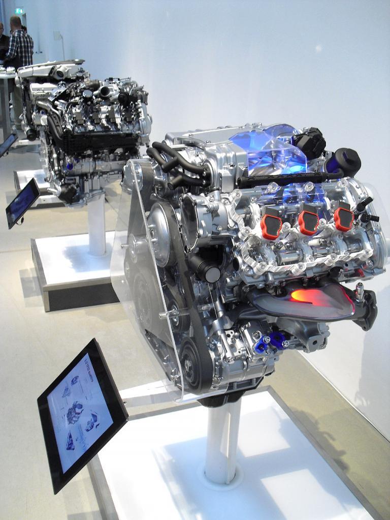 Audi A8: Die Motoren reichen vom Hybrid über Sechs- und Acht- bis zum Zwölfzylinder.