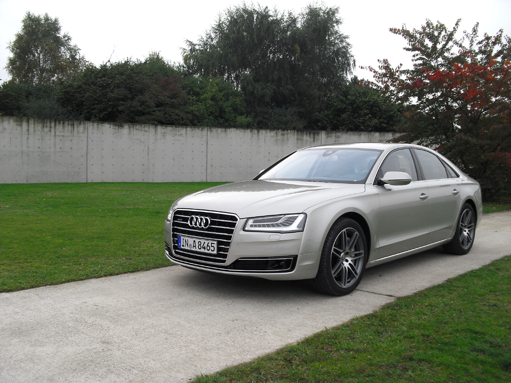 Audi A8: Äußerlich tritt die Nobelkarosse in Neuauflage etwas markanter auf.