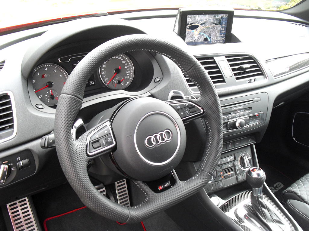 Audi RS Q3: Blick ins sportlich-funktionelle Cockpit.