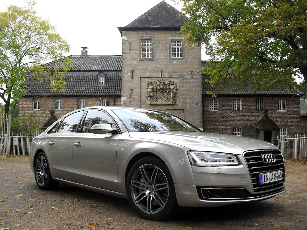 Audi hat sein Flaggschiff A8 überarbeitet.