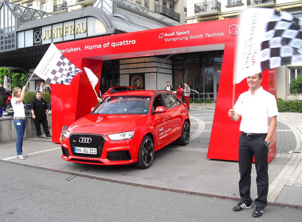 Audis neuer RS Q3 beim Start in Interlaken.