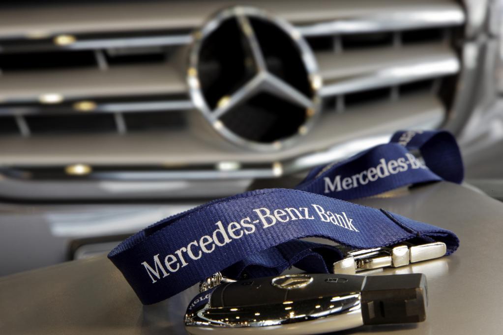 Autokäufer finanzieren über Autobanken