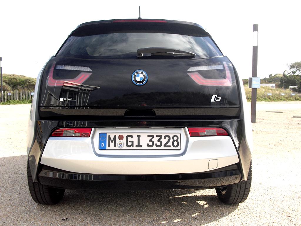 BMW i3: Blick auf die Heckpartie.