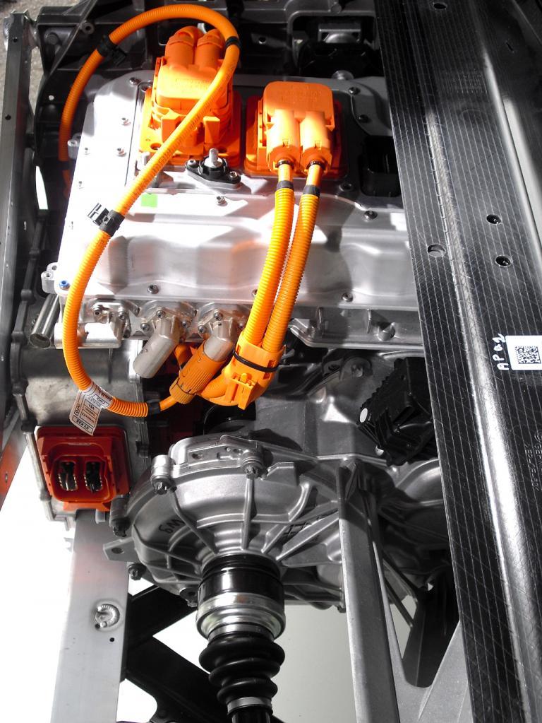 BMW i3: Der Elektromotor sitzt unmittelbar über der angetriebenen Hinterachse.