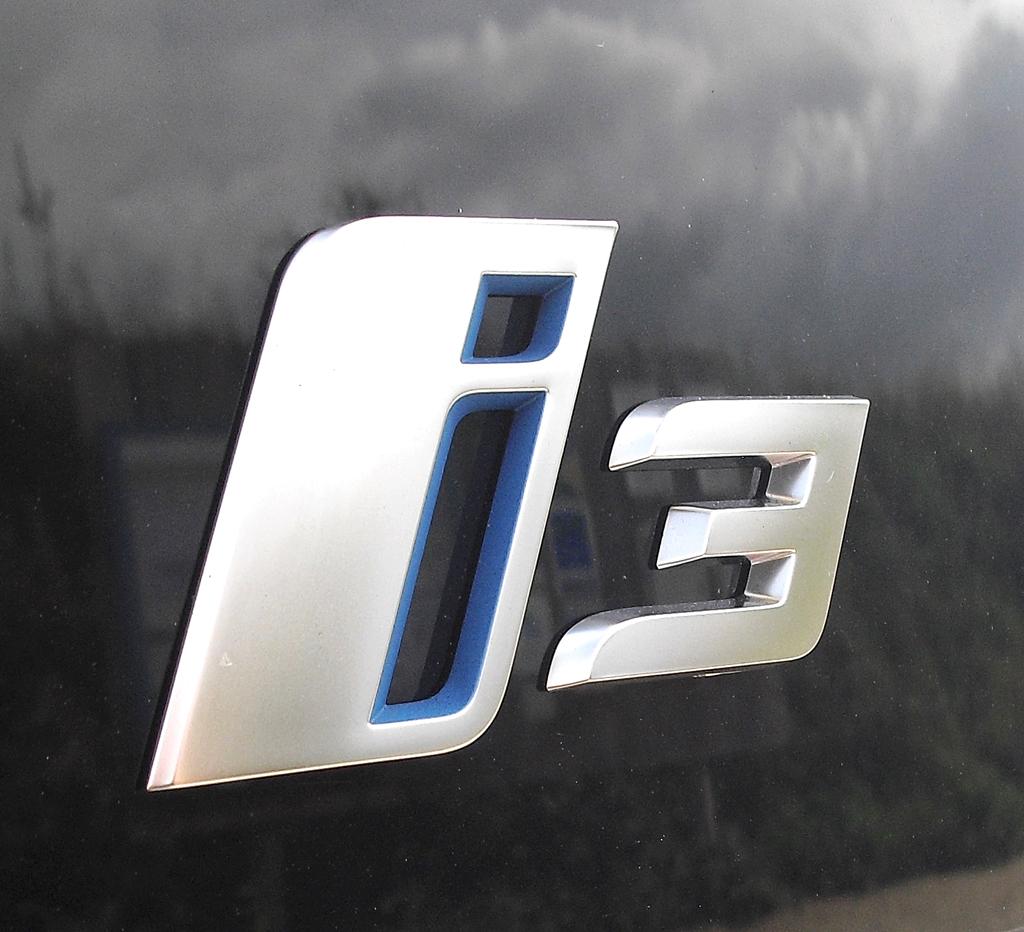 BMW i3: Modellschriftzug auf der Heckklappe.