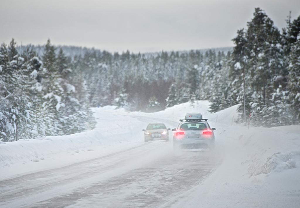 Bei winterlichen Straßenverhältnissen wie diesen kommt es auf gute Reifen an.