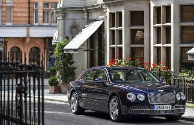 Bentley schickt den Flying Spur aufs Eis