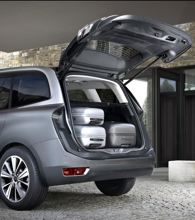Citroën Grand C4 Picasso: Das Gepäckabteil fasst jetzt 645 Liter, 69 mehr als zuvor.