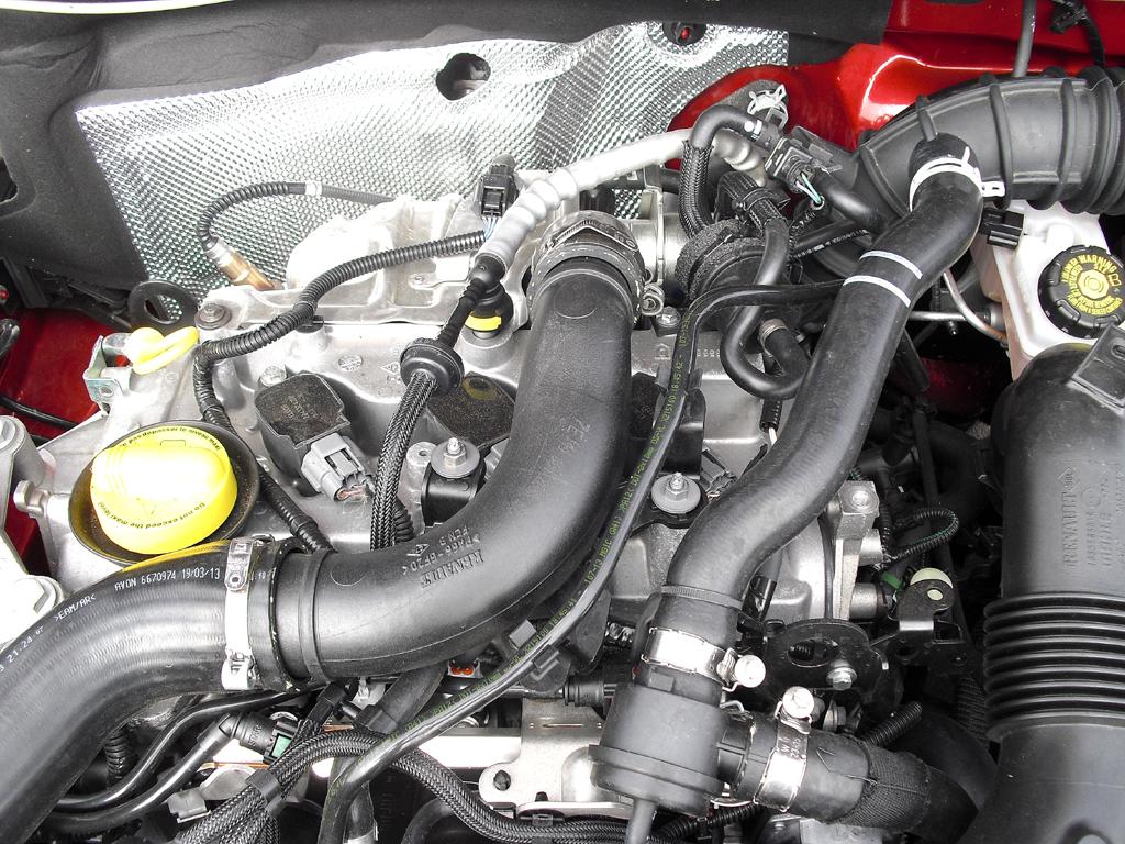 Dacia Logan MCV: Blick unter die Haube, hier beim Dreizylinder-Turbobenziner.