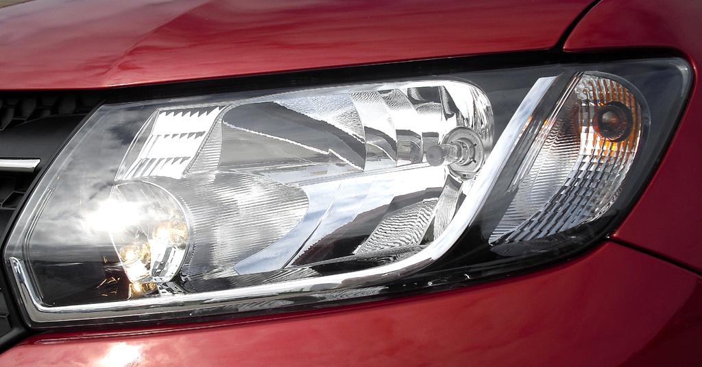 Dacia Logan MCV: Moderne Leuchteinheit vorn.