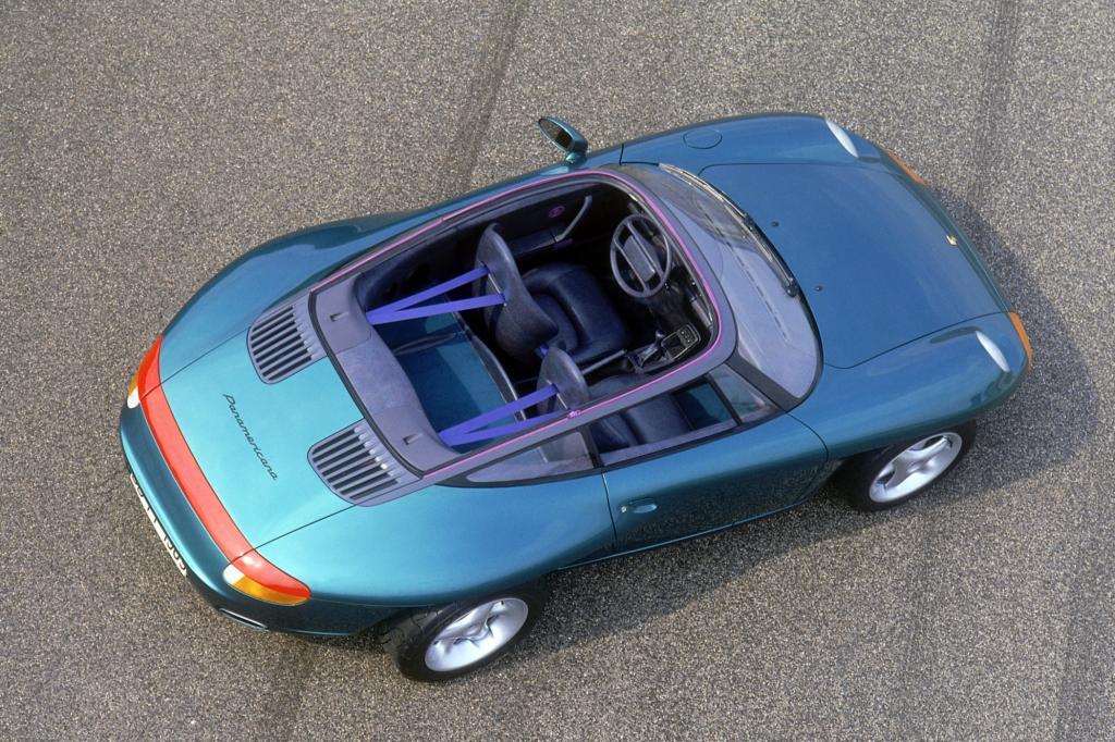 Das Porsche-Museum schickte besondere Stücke nach North Carolina, zum Beispiel das Panamericana Concept Car von 1989, dessen unkonventioneller Überrollbügel sich wie bei einem Motorboot um das komplette Cockpit zog