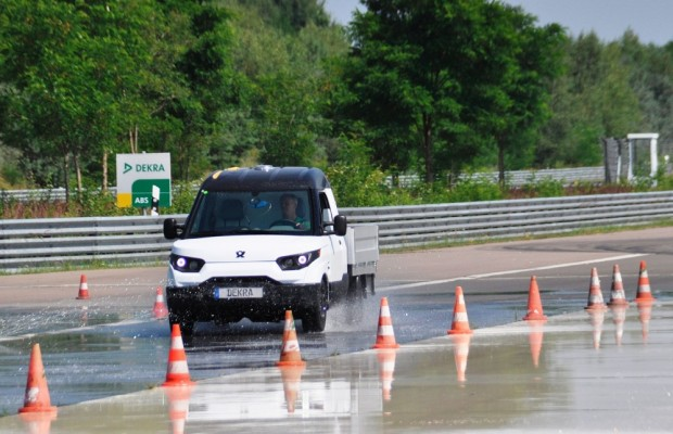 Dekra zeigt Dienstleistungsangebot für Elektrofahrzeuge