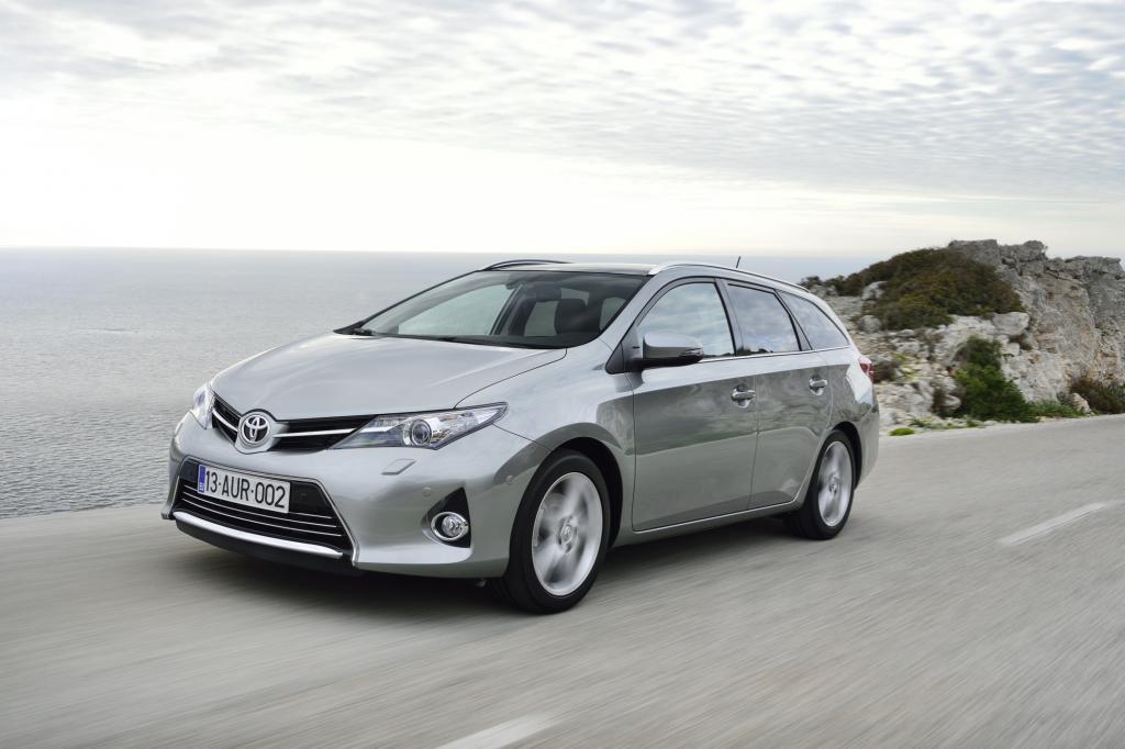 Den Toyota Auris gibt es nun erstmals als Kombi