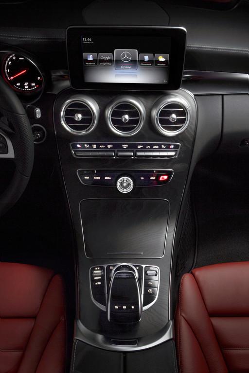 Die neue Mercedes-Benz C-Klasse: Sinnliche Klarheit