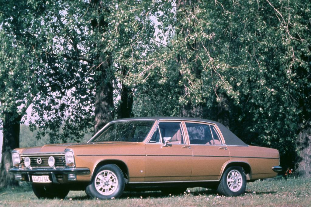 Diplomat V8 als Star beim Opel-Gastspiel im Oberhaus