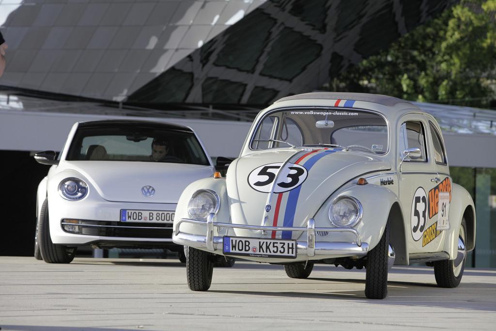 Historische VW-Shuttlefahrzeuge beim