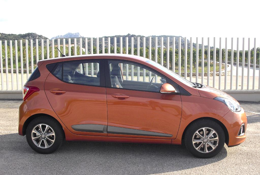 Hyundai i10: So sieht der größer gewordene Kleinstwagen der Koreaner von der Seite aus.