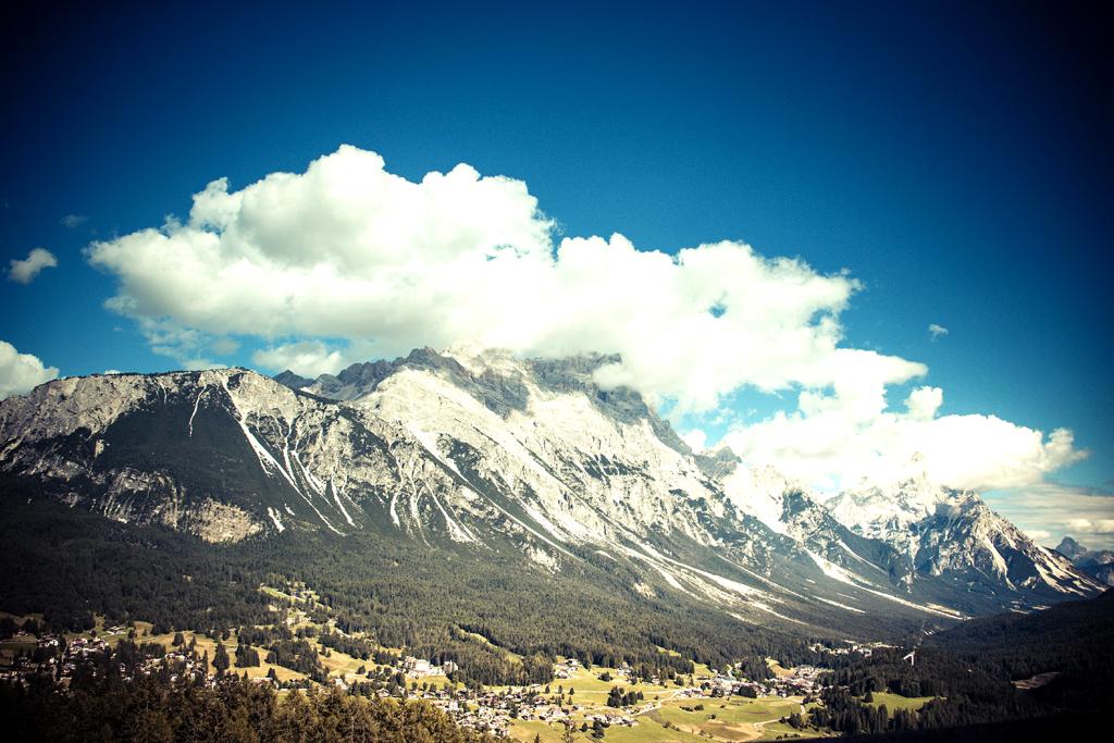 Immer wieder: Gigantische Berg-, gigantische Wolkenlandschaften.