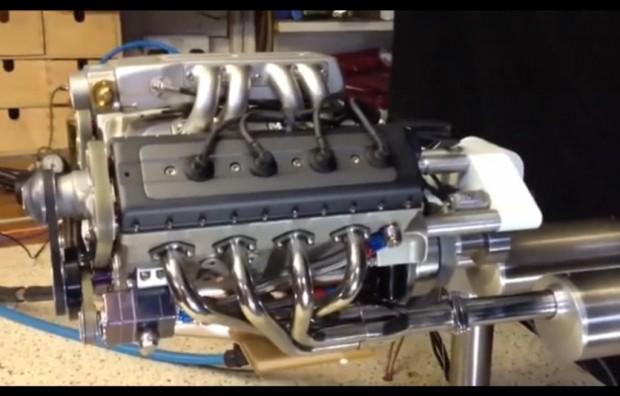Kleinster V8-Motor der Welt?