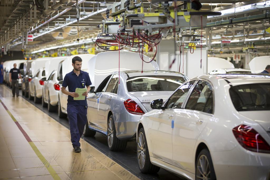 Mercedes-Benz S-Klasse jetzt auch auf dem Highway unterwegs