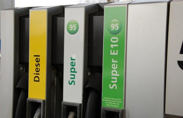 Mit einem Benzin-Tiefstpreis in die Herbstferien