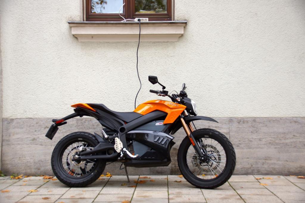 Motorrad-Test: Zero DS - Fahrdynamik, die aus der Stille kommt