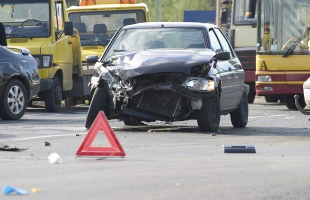 Nach einem Verkehrsunfall behalten ältere Fahrer die Nerven