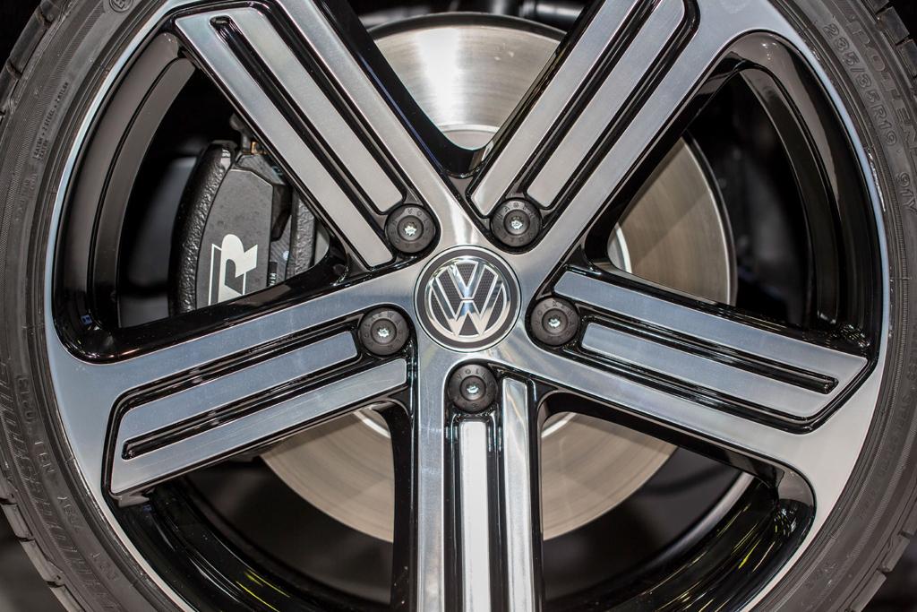 Neben Fahrwerken entwickelt die R-GmbH auch Leichtmetallräder.