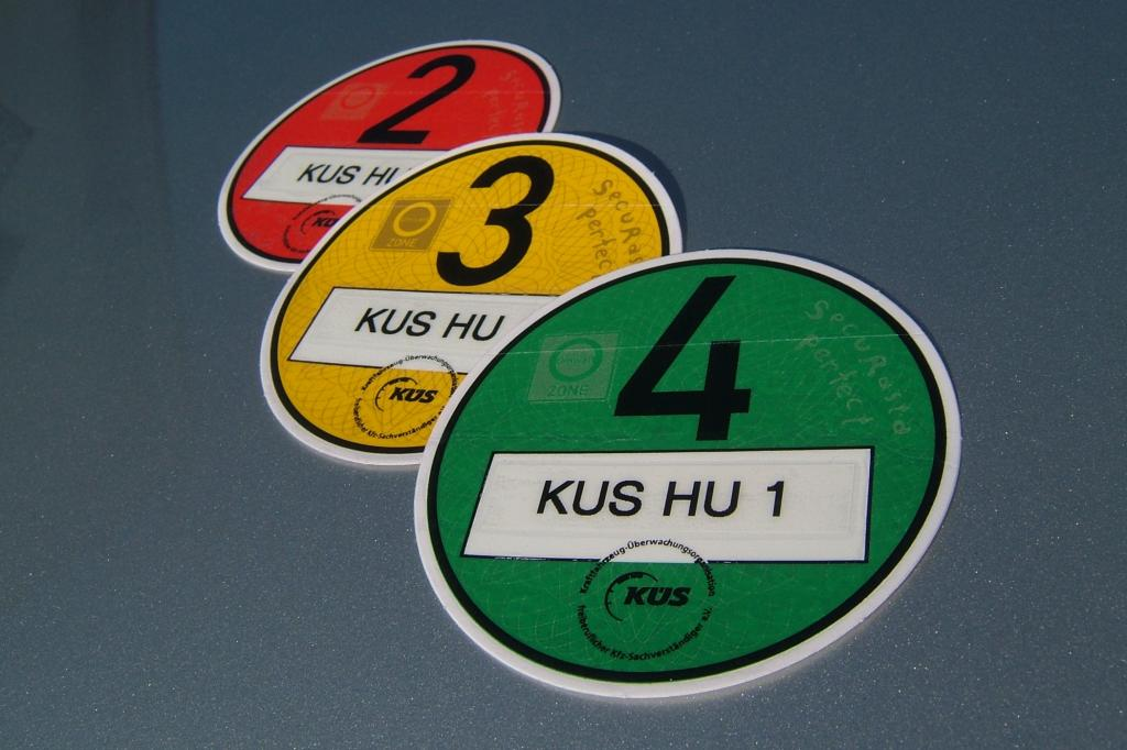 Neuerung bei Pkw-Hauptuntersuchung - HU-Siegel nur bei korrekter Feinstaub-Plakette