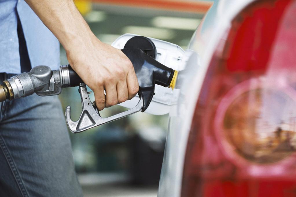 Nur 15 Prozent der Autofahrer tanken E10