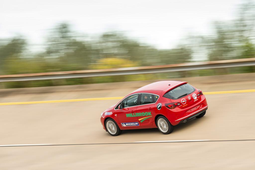 Opel Astra schnellster Serien-Diesel der Welt