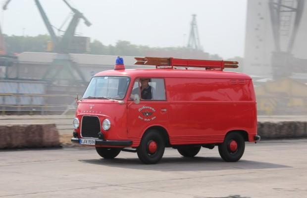 Panorama Ford Transit FK1250 -  Das feuerrote Spielmobil