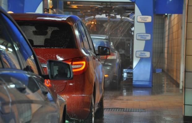 Ratgeber: Wer zahlt bei Schäden in der Autowaschanlage?